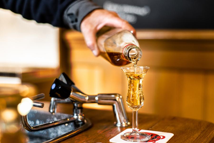 Prik&Tik - Jenever & bier - De ideale kopstoot