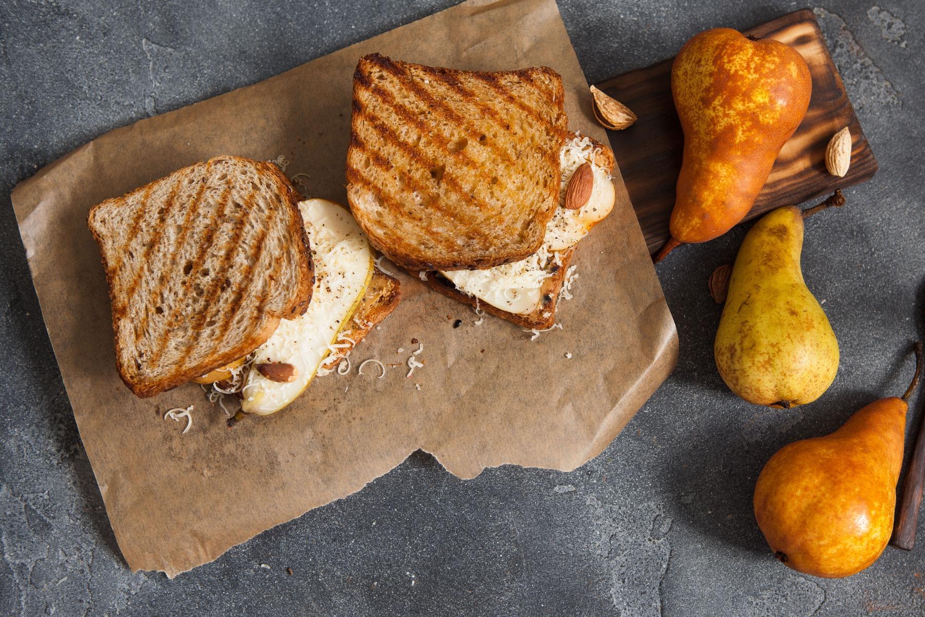 PrikenTik wijnstreken - Porto - panini met hervekaas en peer